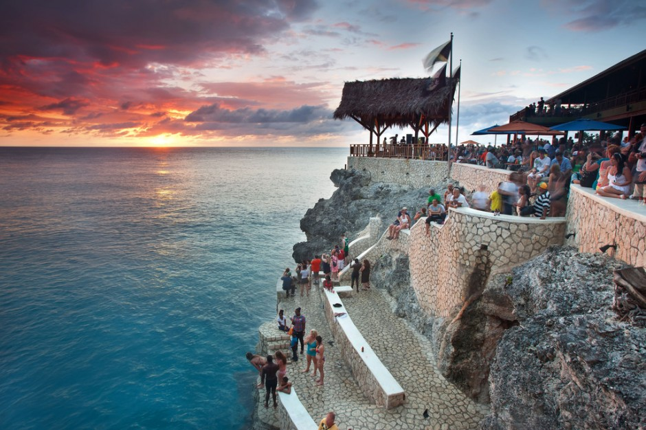 Chalis Car Rental - NEGRIL BEACH & SUNSET